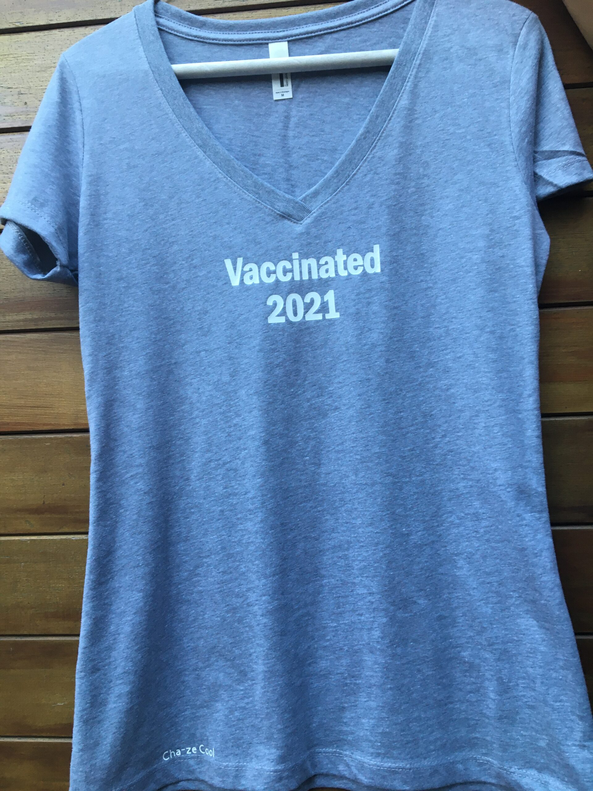 Cha-ze Cool Vaccination needle (on the shoulder) women